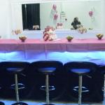 סידור שולחן בלופט למסיבת רווקות